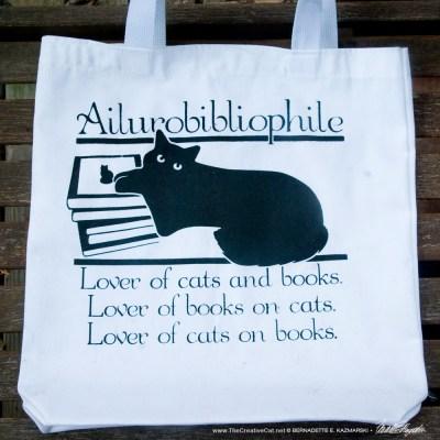 Ailurobibliophile bag, white.