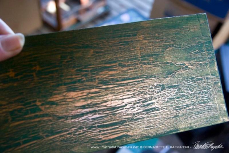 Detal of cracklet finish.