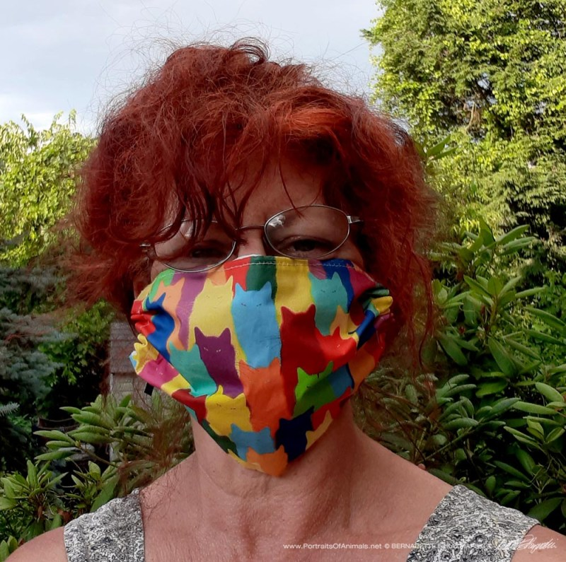 woman wearing mask
