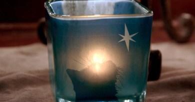 Star of Wonder feline votive.