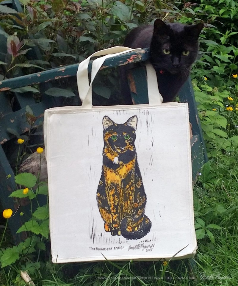 The Roundest Eyes tote bag, approved by Mimi!