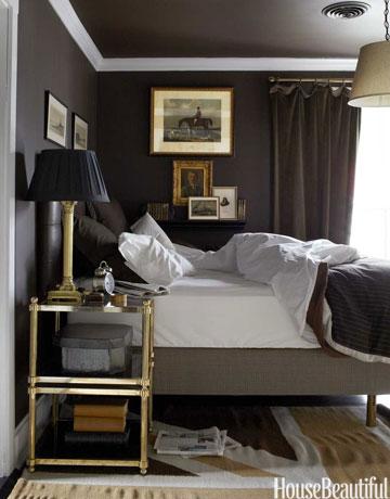 hbx-dark-walls-in-bedroom-0512-de
