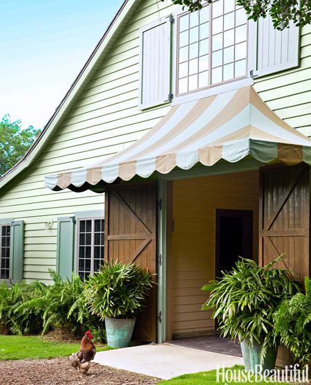 16-hbx-sunbrella-stripe-awning-0115-lgn
