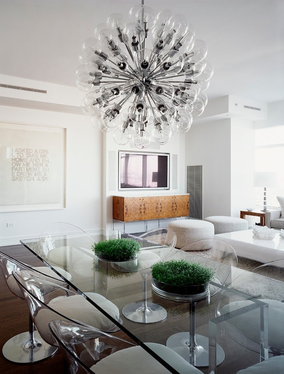 amazing-and-fascinating-dining-space-idea-with-edgy-glass-table-and-chairs-under-gorgeous-artsy-chandelier