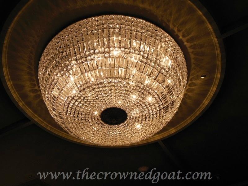 091514-11 Team Crowned Goat Takes Universal Studios Uncategorized
