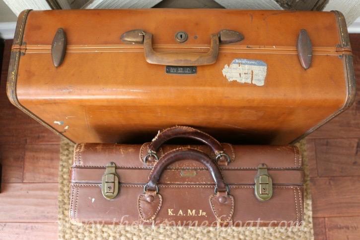 020415-1 A Few Treasures and a China Hutch Vendor Spaces