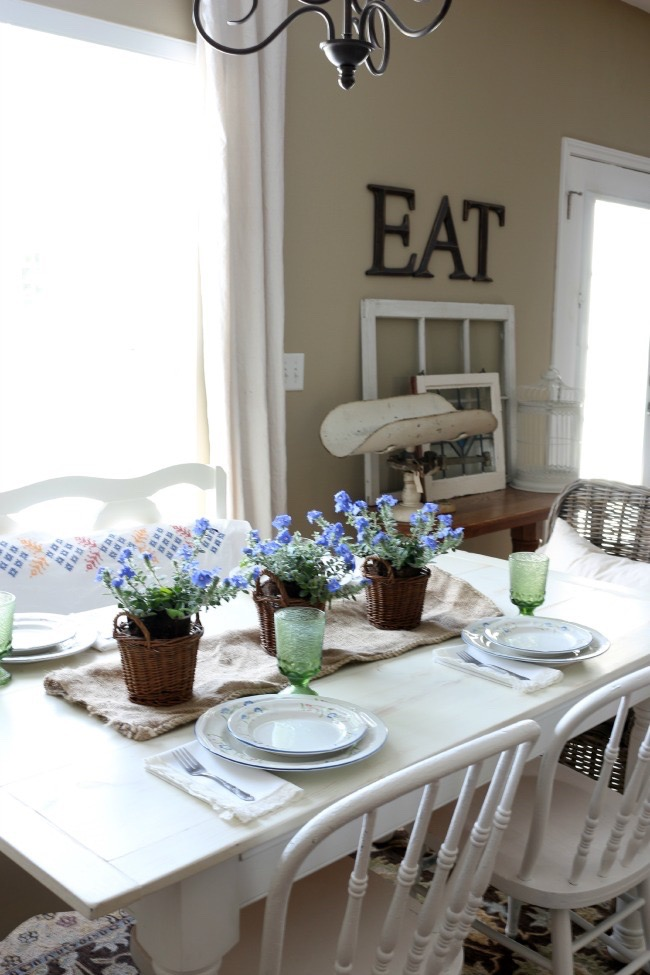 Easy-Summer-Tablescape-The-Crowned-Goat-052715-6 Easy Summer Tablescape Decorating