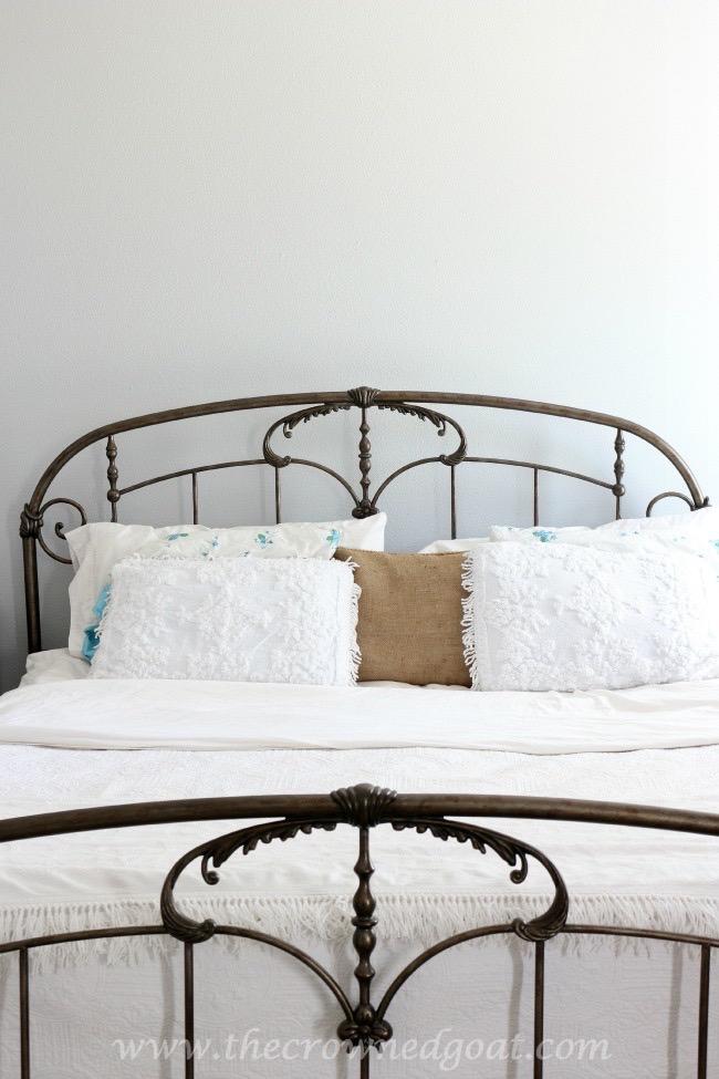 061915-7 Bedroom Makeover Decorating