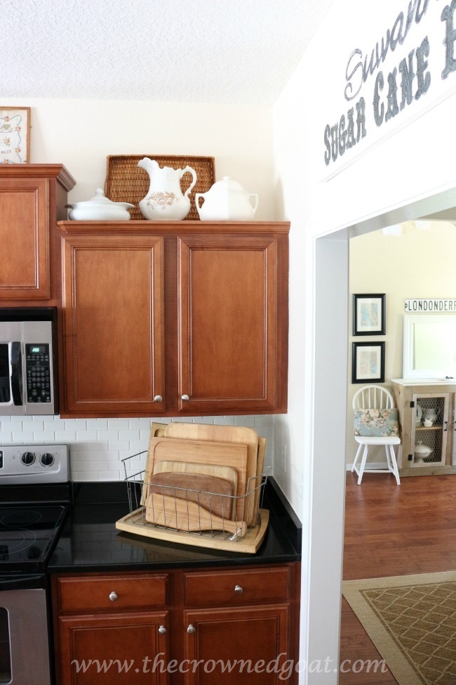 Simple-Kitchen-Decorating-Updates-The-Crowned-Goat-061615-6 Simple Kitchen Updates   Decorating