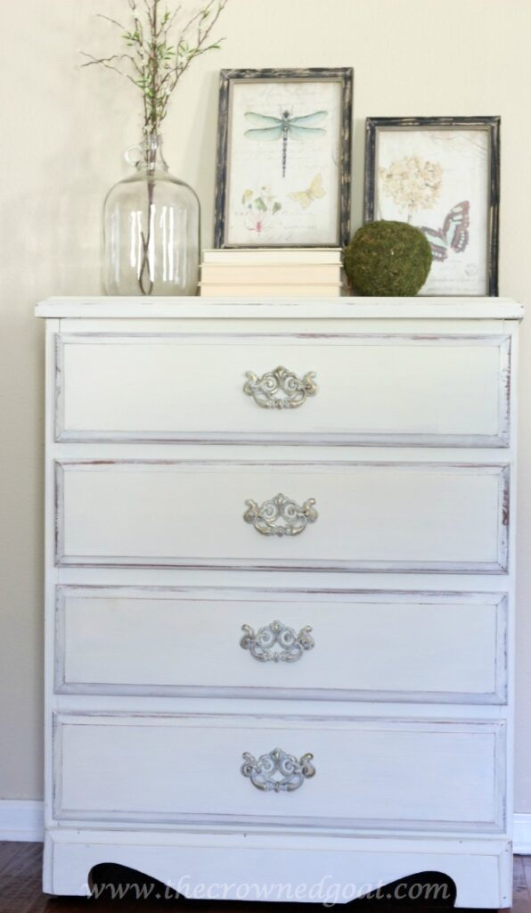 Maison-Blanche-Painted-Dresser-The-Crowned-Goat-071415-9-596x1024 Maison Blanche Painted Dresser Painted Furniture