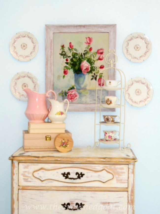 Shabby-Chic-Inspired-Home-Decor-The-Crowned-Goat-071515-3 Shabby Chic Inspired Bedroom Decorating
