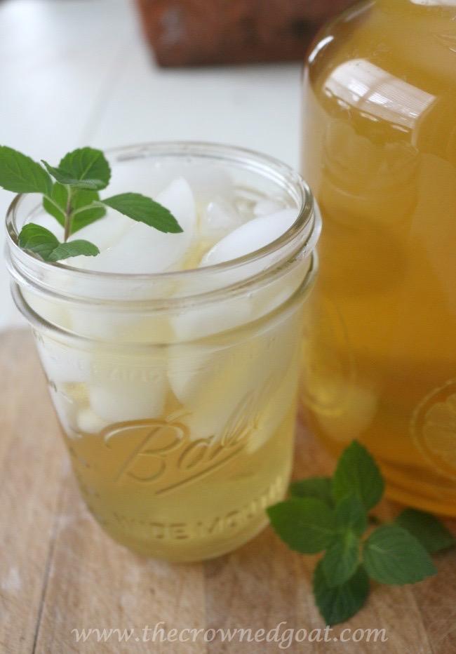 Sweet-Peppermint-Sun-Tea-Recipe-The-Crowned-Goat-071015-7 Sweet Peppermint Sun Tea Baking