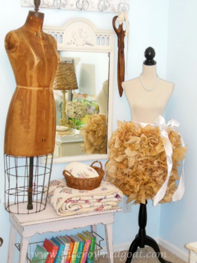 vintage-Dress-Forms-The-Crowned-Goat-071515-8 Shabby Chic Inspired Bedroom Decorating