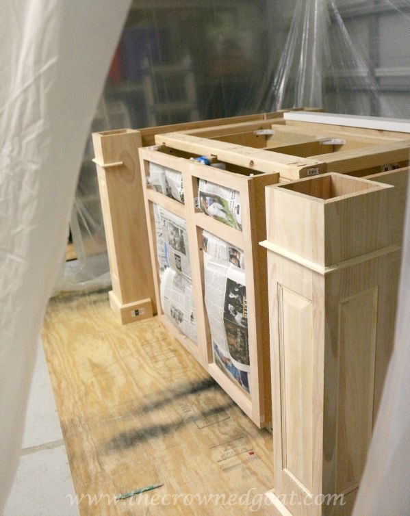 082515-1 Painting a Kitchen Island with the HomeRight Finish Max Sprayer DIY