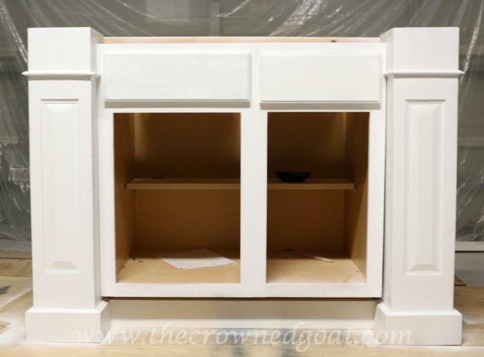 082515-22 Painting a Kitchen Island with the HomeRight Finish Max Sprayer DIY