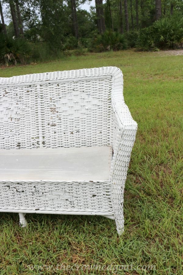 092215-9 How to Clean Outdoor Wicker Furniture Uncategorized