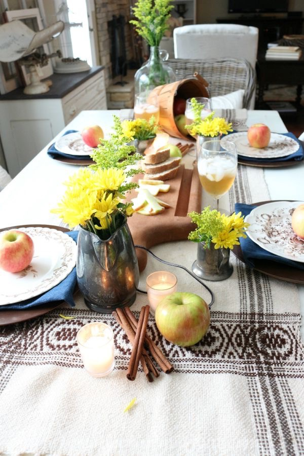 Autumn Apple Inspired Tablescape 091715-12
