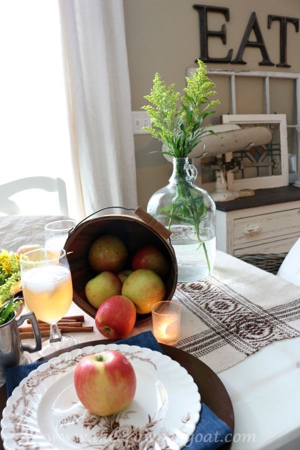 Autumn Apple Inspired Tablescape 091715-13