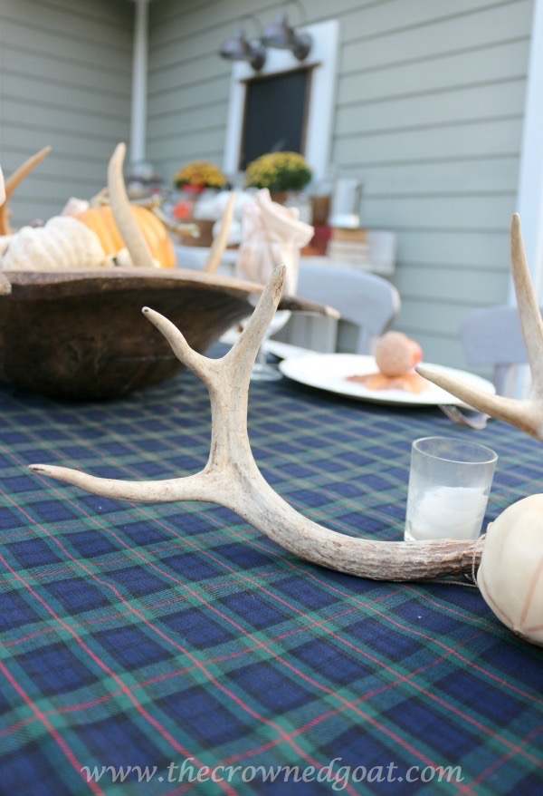 102215-2 Outdoor Entertaining: Fall Inspired Back Patio Decorating Fall Holidays