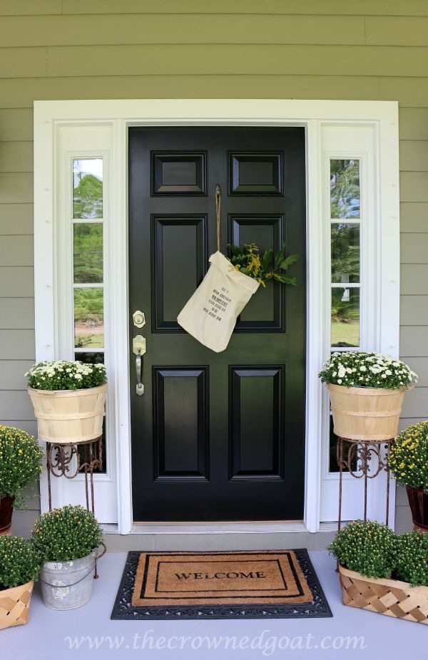 2015-Fall-Porch-Tour-101415-6 Fall Inspired Front Door Décor Fall Holidays