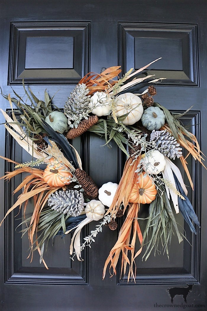 Fall-Wreaths-Autumn-Inspired-Door-Decor-The-Crowned-Goat-11 Fall Inspired Front Door Décor Fall Holidays