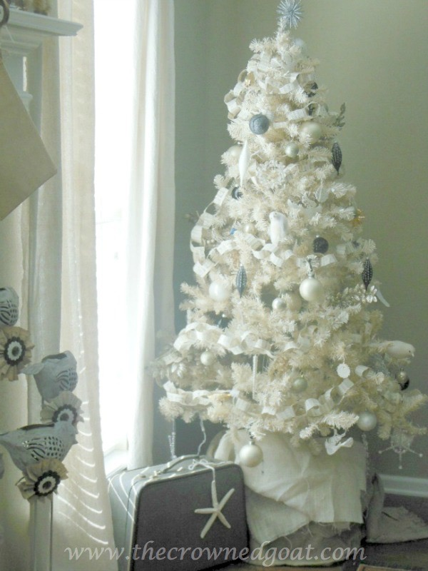 112415-7 Neutral Inspired Christmas Ideas Christmas Decorating Holidays