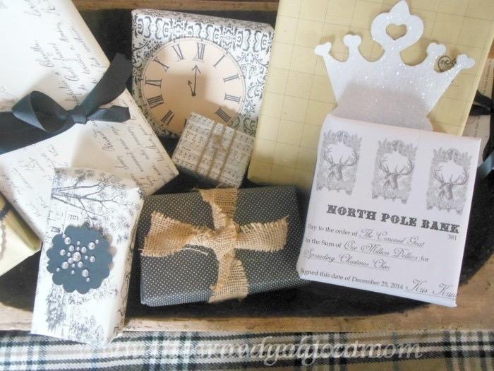 121015-010 Holiday Gift Wrap Ideas Christmas Holidays