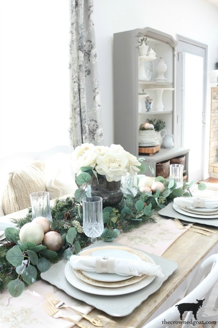 Last-Minute-Holiday-Tablescape-Ideas-The-Crowned-Goat-23 Last Minute Holiday Tablescape Ideas Christmas Decorating Holidays