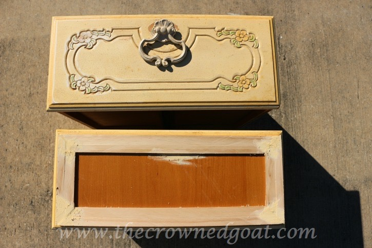 020316-5 Creating a Dog Feeding Station From a Nightstand Uncategorized