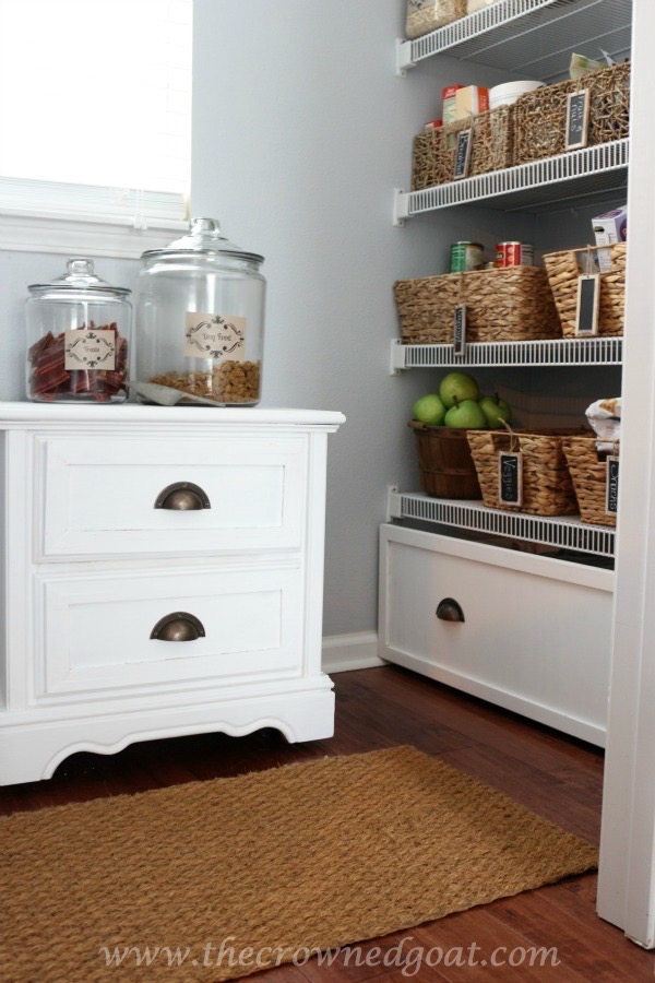 How-to-Create-a-Pet-Feeding-Station-020316-12 Creating a Dog Feeding Station From a Nightstand Uncategorized
