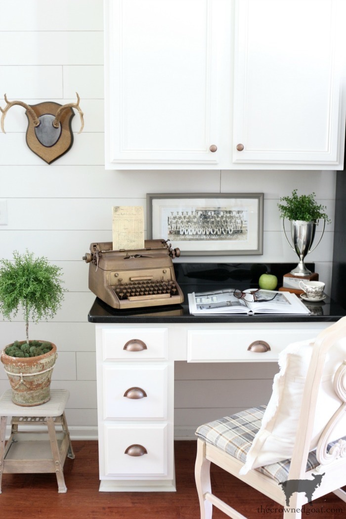 How-to-Organize-a-Kitchen-Desk-The-Crowned-Goat-18 The Best Way To Organize the Kitchen Organization