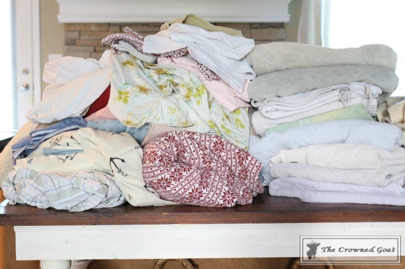 How-to-Keep-Linen-Closets-Organized-5 How to Keep Linen Closets Organized and Maintained  DIY Organization