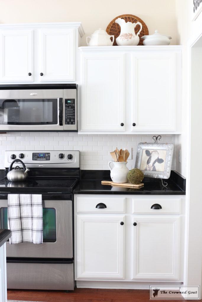 Easy-Ways-to-Save-Money-on-a-Ktichen-Makeover-2-1-683x1024 10 Easy Ways to Save Money on a Kitchen Makeover Decorating DIY