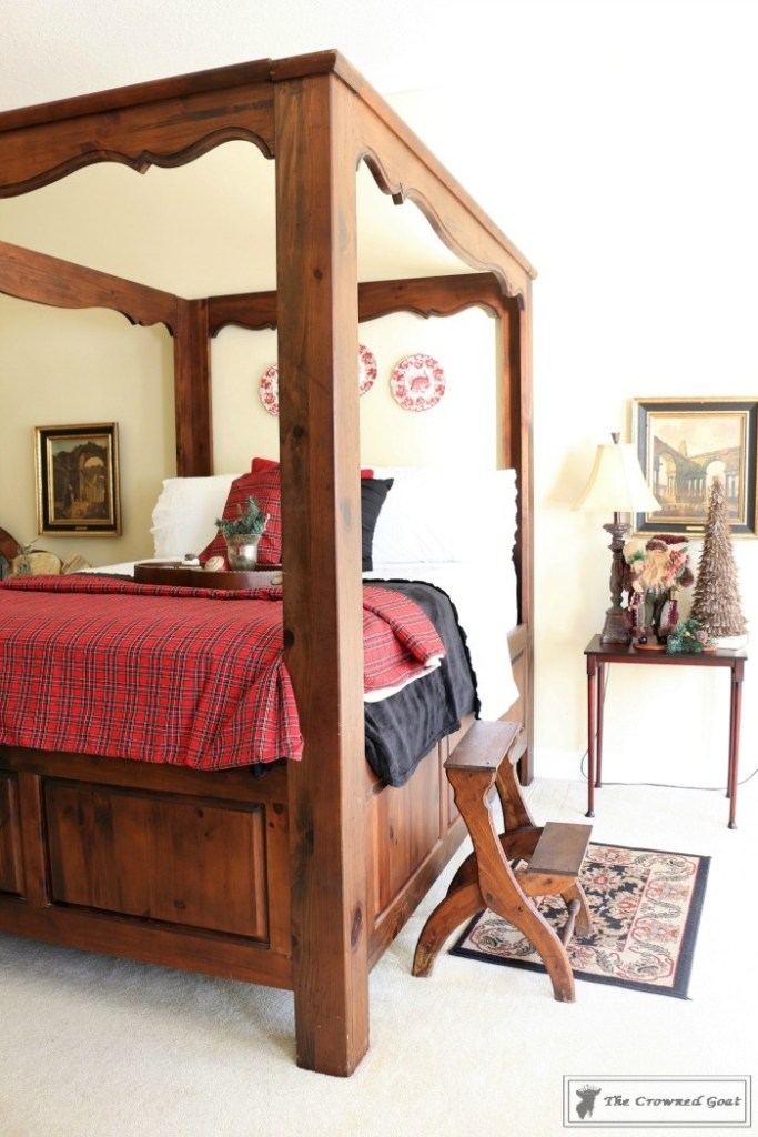bliss-barracks-traditional-christmas-bedroom-3