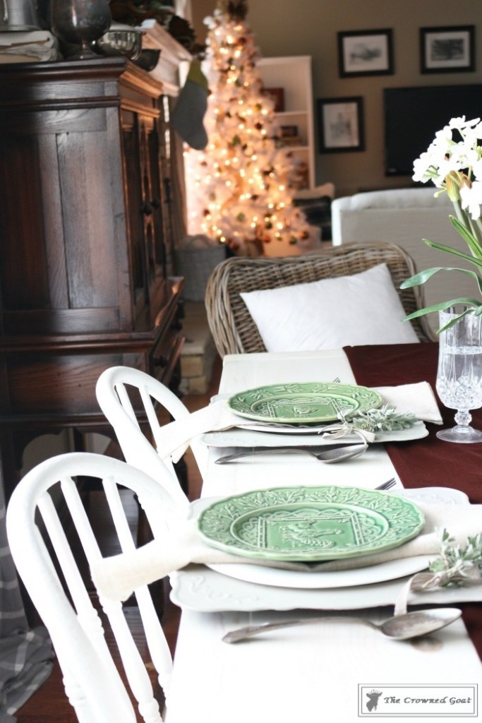nature-inspired-christmas-breakfast-nook-3