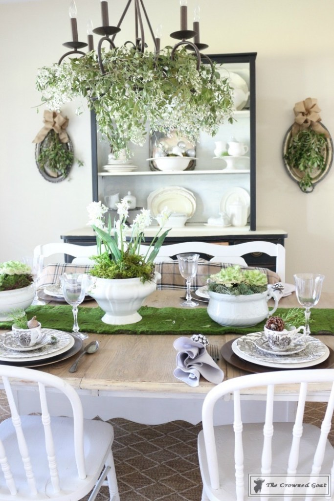 Nature-Inspired-Christmas-Dining-Room-6-683x1024 Nature Inspired Christmas Home Tour Christmas Decorating DIY Holidays