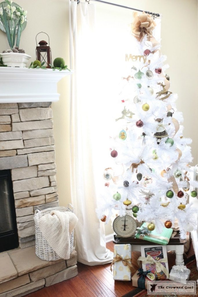 Nature-Inspired-Christmas-Tree-15-683x1024 Nature Inspired Mantel and Christmas Tree Christmas Decorating DIY Holidays