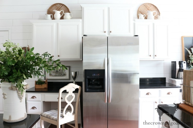 How-to-Create-Work-Zones-in-the-Kitchen-The-Crowned-Goat-15 The Best Way To Organize the Kitchen Organization