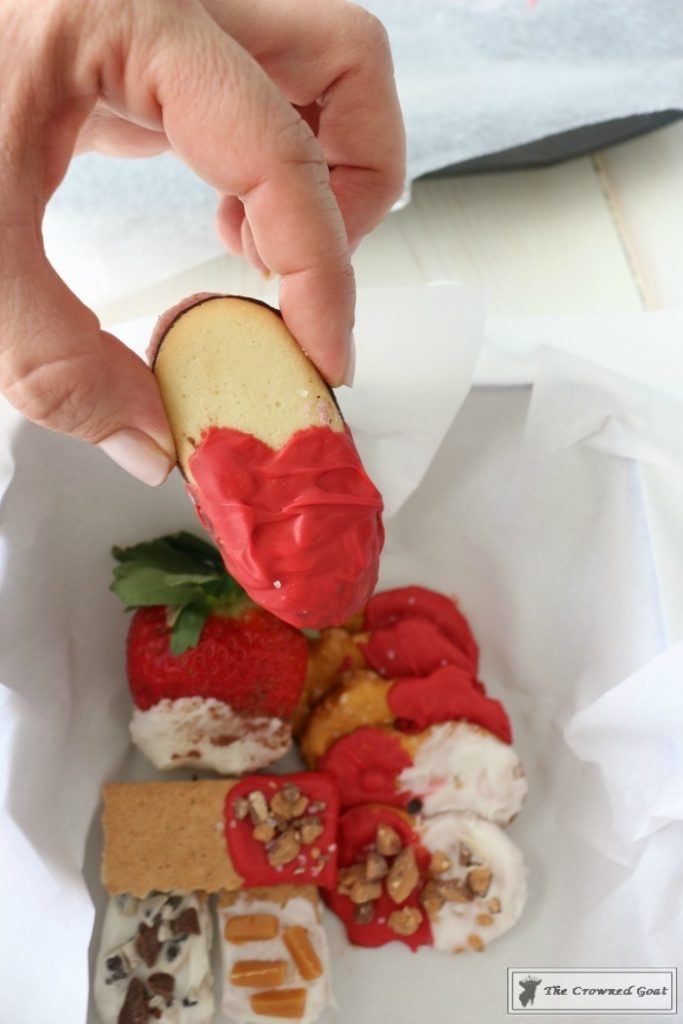 Easy-Valentine-Snack-Box-15-683x1024 The Busy Girl's Valentine's Day Snack Box DIY Holidays