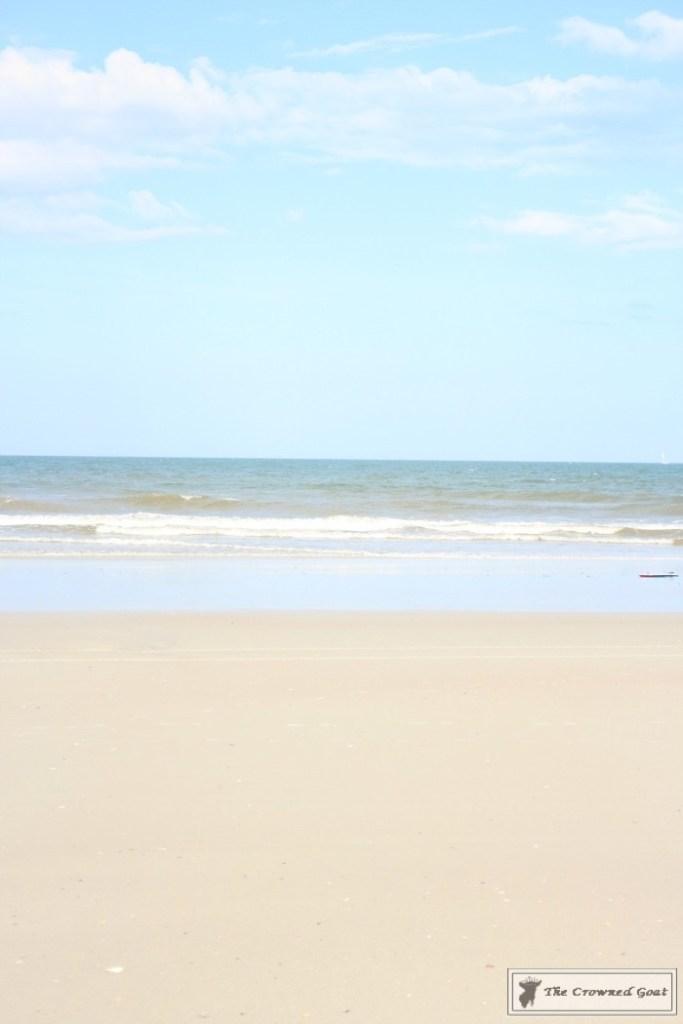 How to Create a Summer Beach Picnic-1