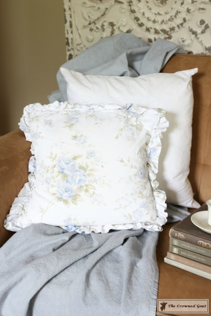 How to Stencil a Pillow Cover-1