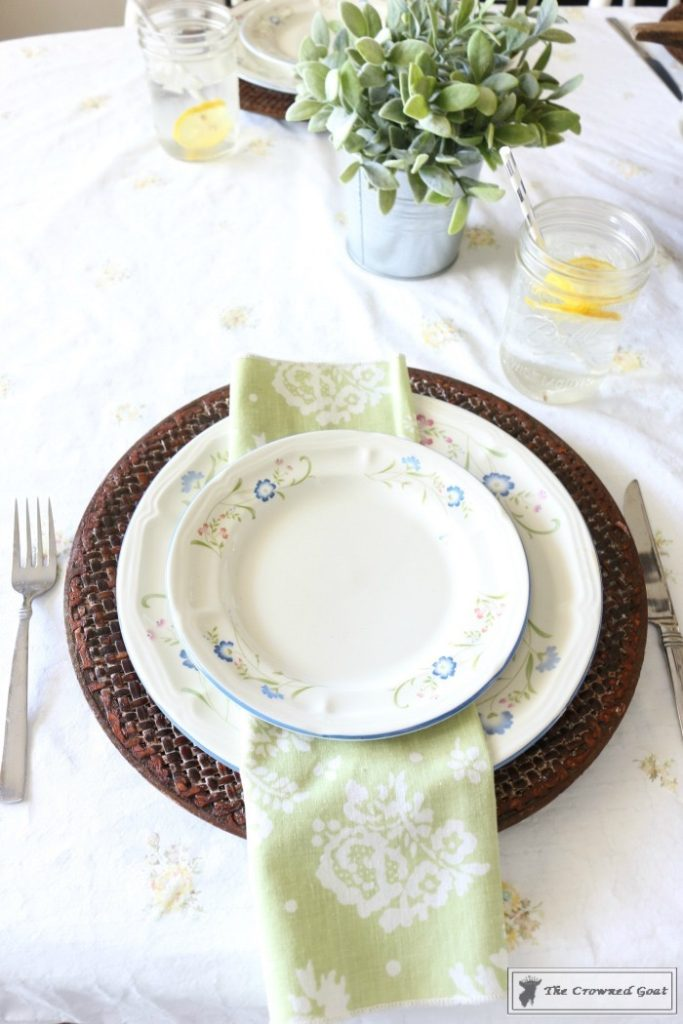How-to-Create-a-Summer-Tablescape-The-Crowned-Goat-7-683x1024 Back to Basics: Summer Tablescapes Decorating DIY