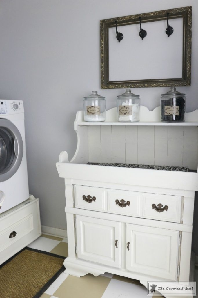 Nine-Ways-to-Keep-the-Laundry-Room-Organized-7-683x1024 9 Ways to Keep the Laundry Room Clean and Organized Decorating DIY Organization