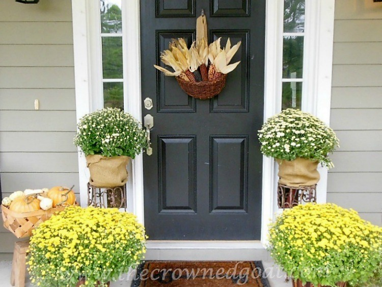 Fall-Wreaths-Autumn-Inspired-Door-Decor-The-Crowned-Goat-4-1 Fall Wreaths & Autumn Inspired Door Décor DIY Fall Holidays