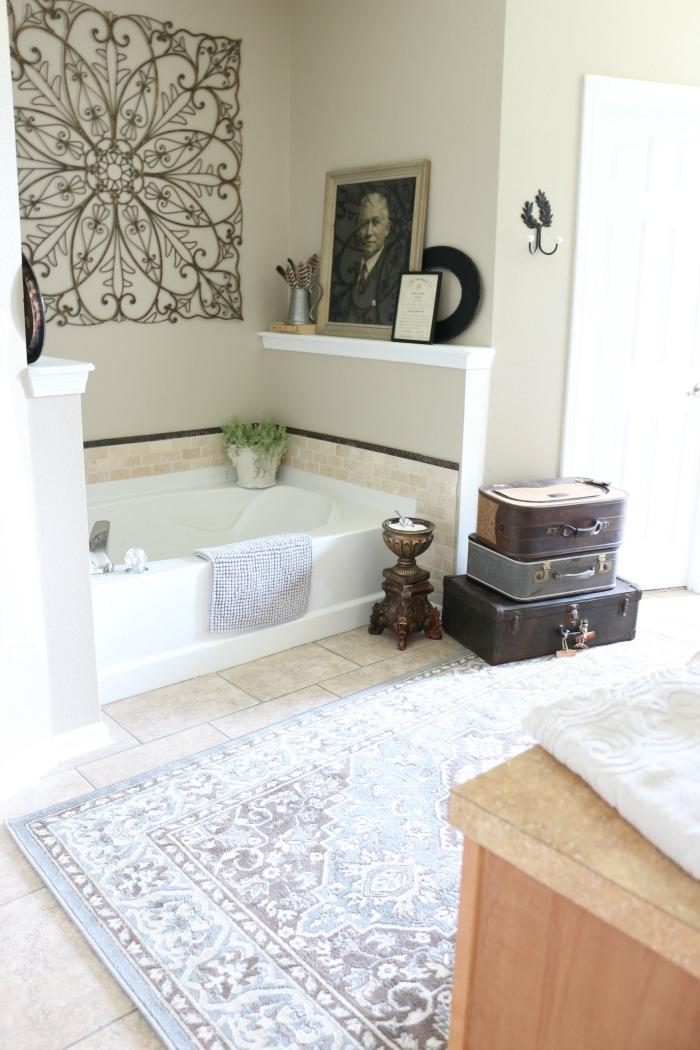 Master-Bathroom-Makeover-The-Crowned-Goat-5 Shop