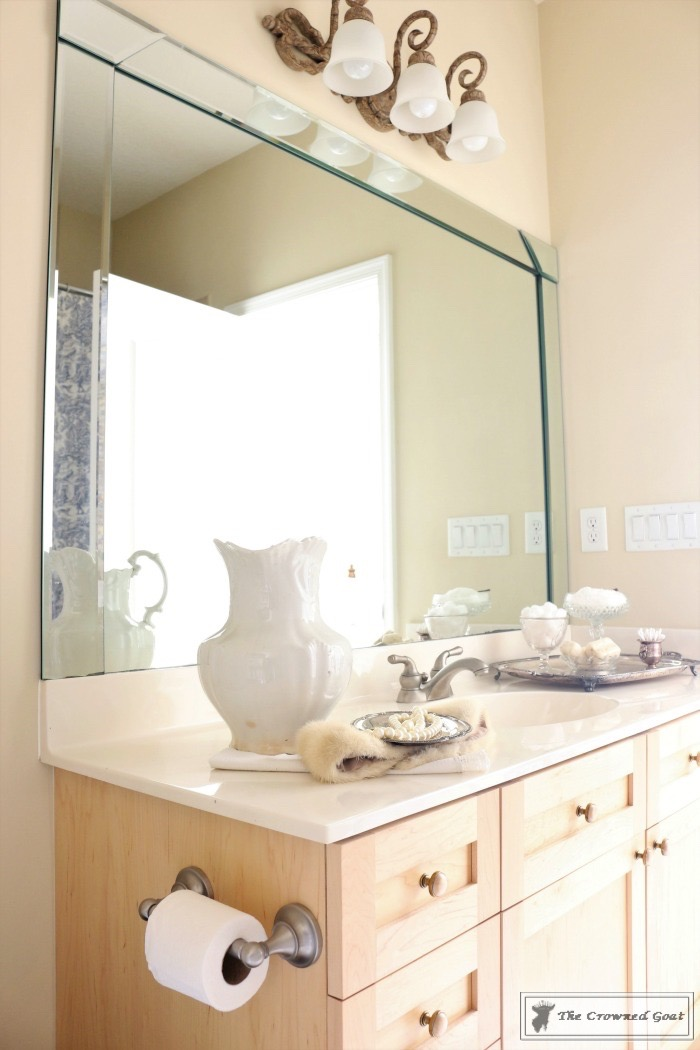 Blue-and-White-Bathroom-Makeover-The-Crowned-Goat-10 Blue and White Bathroom Makeover Decorating