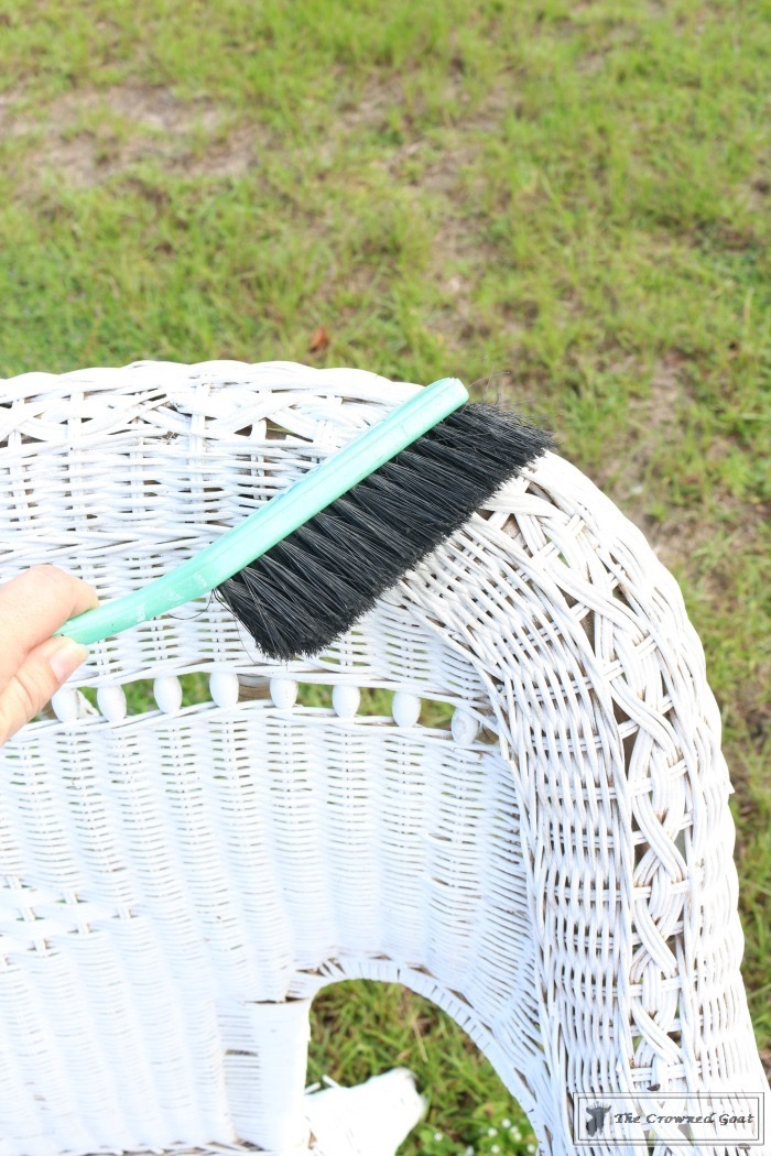 How-to-Spray-Paint-Wicker-Furniture-The-Crowned-Goat-3 How to Spray Paint Wicker Furniture DIY Painted Furniture