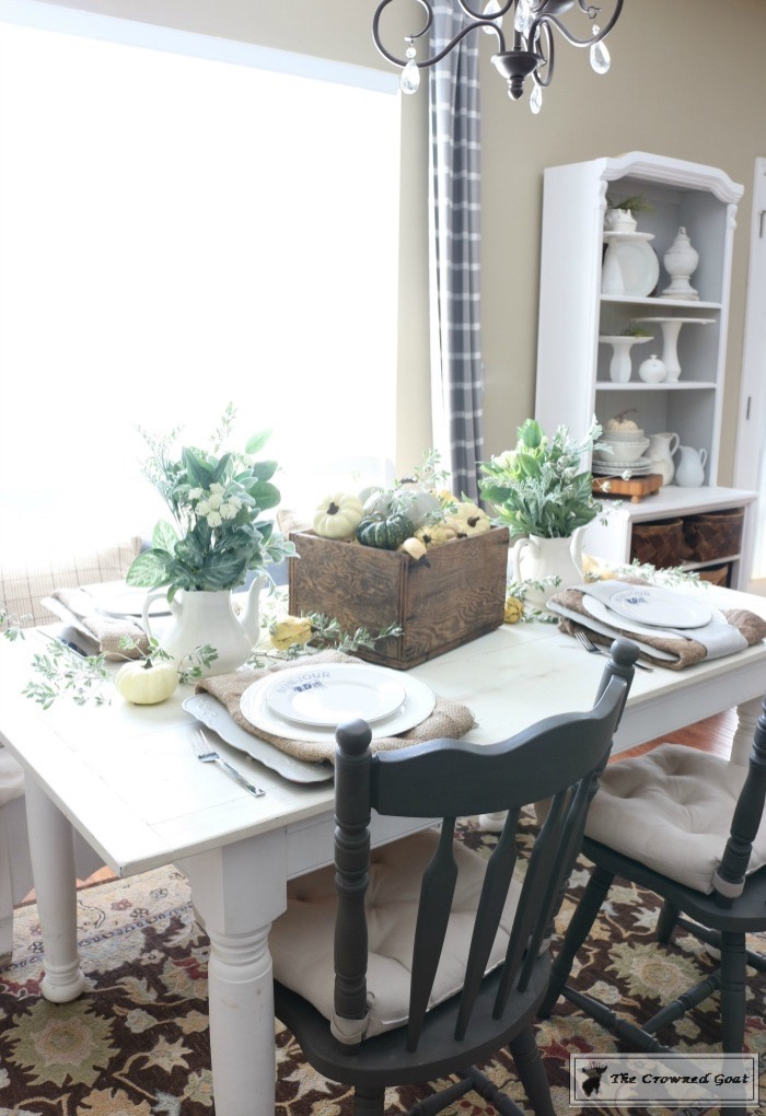 5-Easy-Thanksgiving-Tablescape-Tips-The-Crowned-Goat-10 5 Tips for an Easy Thanksgiving Tablescape Decorating Fall Holidays