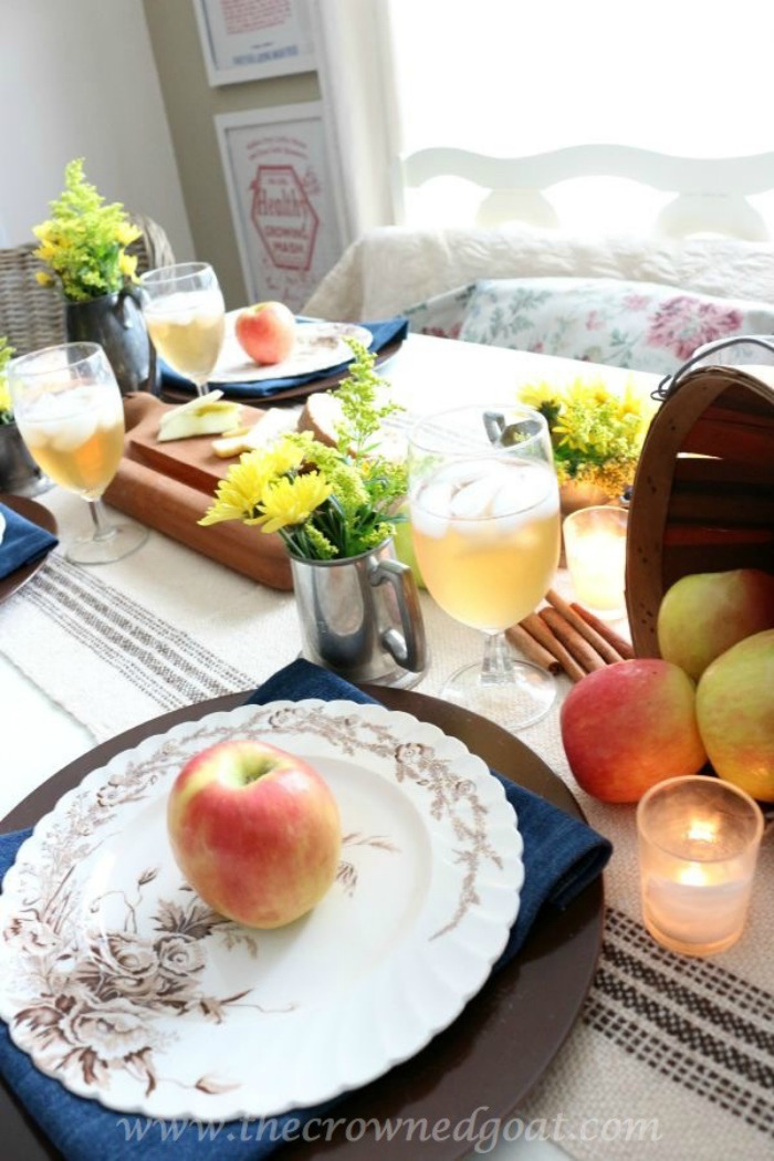 5-Easy-Thanksgiving-Tablescape-Tips-The-Crowned-Goat-14 5 Tips for an Easy Thanksgiving Tablescape Decorating Fall Holidays