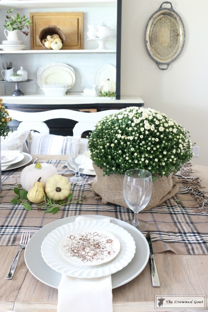 5-Easy-Thanksgiving-Tablescape-Tips-The-Crowned-Goat-8 5 Tips for an Easy Thanksgiving Tablescape Decorating Fall Holidays